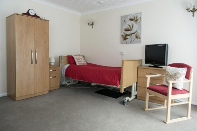 Broadland view red bedroom